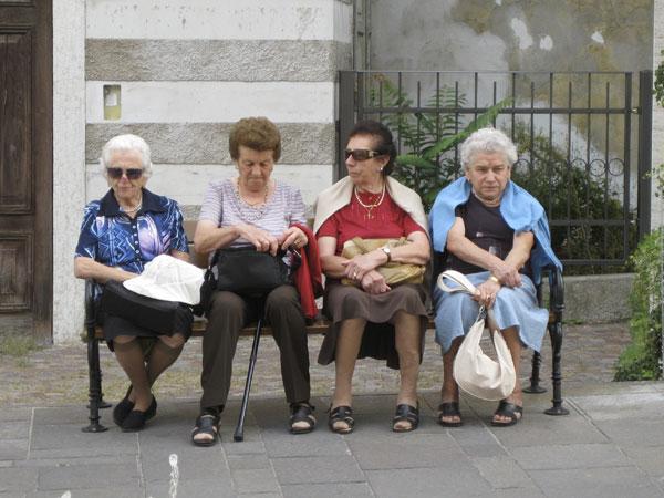 Ladies-bench