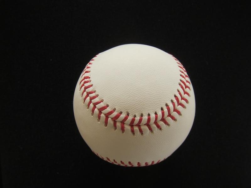 Baseball_black_blog